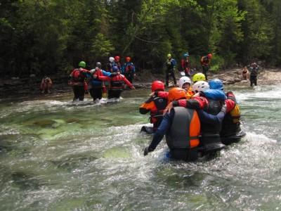 Brodenie cez rieku